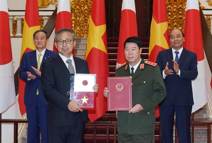 Việt Nam - Nhật Bản trao đổi 12 văn kiện hợp tác trị giá gần 4 tỷ USD - Ảnh 2.