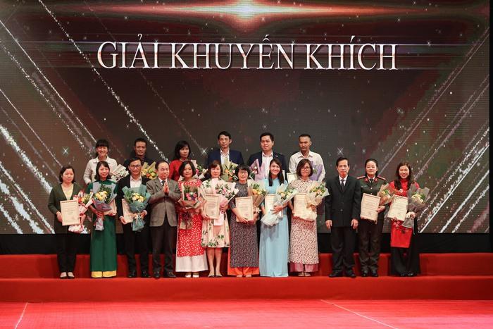 Phát huy vai trò của báo chí trong xây dựng văn hóa, con người Việt Nam - Ảnh 5.