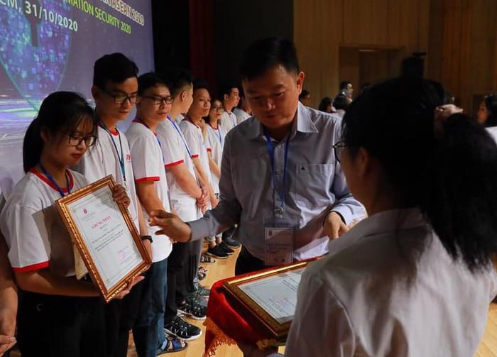 Chùm ảnh Vòng sơ khảo sôi nổi của cuộc thi sinh viên với ATTT ASEAN 2020 - Ảnh 23.