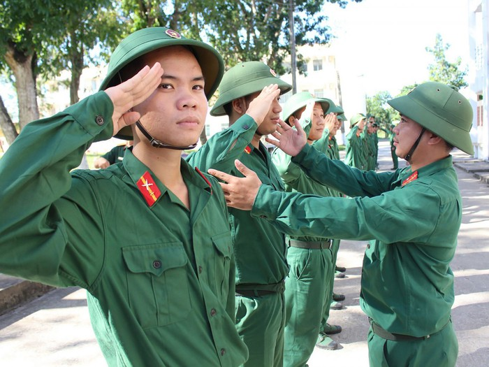 Từ 21/8/2020, học viên đào tạo sĩ quan dự bị được tham gia BHYT - Ảnh 1.