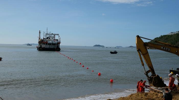 VNPT tăng sức mạnh truyền dẫn quốc tế với tuyến cáp quang biển mới - Ảnh 2.