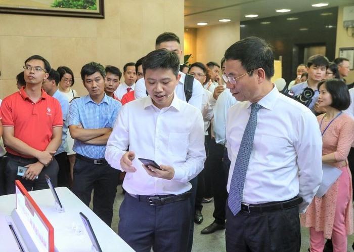 VinSmart phát triển thành công smartphone Aris 5G - Ảnh 1.