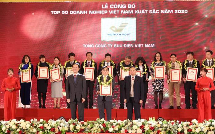Bưu điện lọt top 50 doanh nghiệp xuất sắc nhất Việt Nam - Ảnh 1.