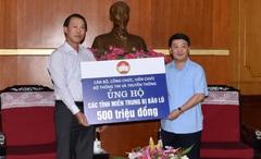 Bộ Thông tin và Truyền thông trao 500 triệu đồng ủng hộ đồng bào miền Trung khắc phục thiệt hại do bão lụt gây ra