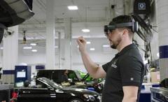HoloLens có thể giúp sửa chữa ô tô như thế nào?