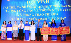 Tôn vinh những thành tích của nữ công nhân viên chức ngành TT&TT