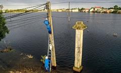 Ứng phó bão số 10 yêu cầu nhà mạng gia cố trạm di động, anten