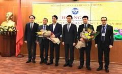 Trao quyết định bổ nhiệm cán bộ lãnh đạo Trung tâm Internet Việt Nam