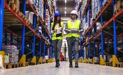 Điều gì đã biến Amazon từ một công ty bán sách thành một công ty công nghệ hàng đầu thế giới?
