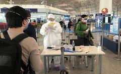 """Trung Quốc: Khách nhập cảnh bị kiểm tra """"chân tơ kẽ tóc"""", không cho COVID-19 một cơ hội xâm nhập"""