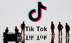 Các bác sĩ sử dụng Twitter và TikTok để chia sẻ tin tức Covid-19