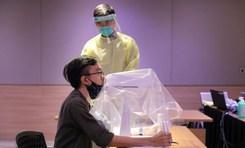 Singapore chế tạo thành công robot lấy mẫu xét nghiệm COVID-19