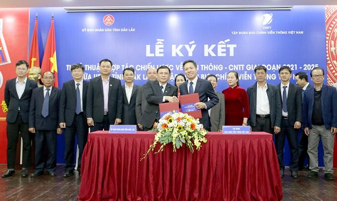 VNPT hỗ trợ Đắk Lắk phát triển đô thị, nông nghiệp thông minh